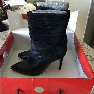 GUESS Mid-calf leather/suede Boots size 8M